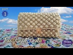 Tutorial Membuat Tas Rajut Pesta Menggunakan Motif Bobble part 3 Diy Clutch, Handmade Clutch, Crochet Handbags, Crochet Purses, Crochet Bags, Crochet Clutch Pattern, Crochet Patterns, Textiles, Diy And Crafts