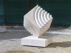 Resultado de imagem para escultura com peças geometricas