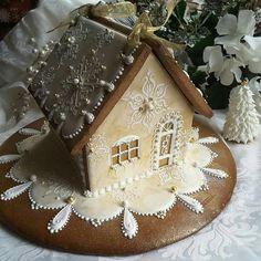 Teri Pringle Wood:  Elegant gingerbread house.  Christmas.