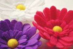 Felt Daisy tutorial and pattern - I will never make these, but they are cute.