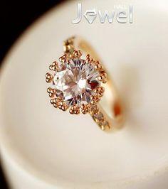 2013 New Fashion High Quality Amazing Crystal Lady's Ring