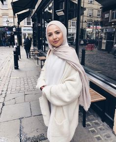 Modern Hijab Fashion, Street Hijab Fashion, Hijab Fashion Inspiration, Muslim Fashion, Mode Inspiration, Modest Fashion, Fashion Ideas, Fashion Quotes, Fashion Black