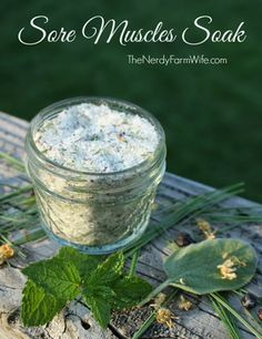 Sore Muscles Bath Soak - This bath helps relax tense, sore muscles yet doesn't leave you smelling of a medicinal vapor rub. The aroma will soothe frayed nerves, but won't lull you to sleep. All Nature, Back To Nature, Natural Medicine, Herbal Medicine, Herbal Remedies, Natural Remedies, Natural Treatments, Tips & Tricks, Homemade Beauty Products