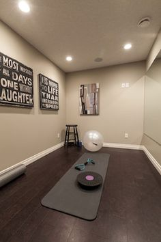 Cool 30 Home Gym Ideas Garage https://roomadness.com/2017/09/21/30-home-gym-ideas-garage/