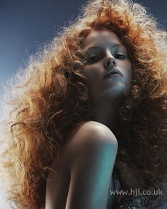 red curly hair. .Omg i want this hair!