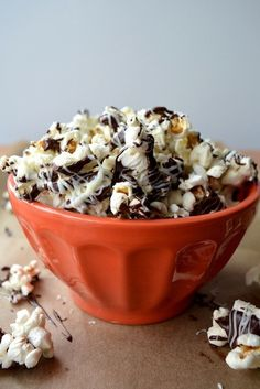 Peanut Butter and White Chocolate Popcorn