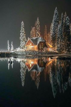 Emerald Lake lodge, Yoho National Park (B.) Emerald Lake lodge, Yoho National Park (B.