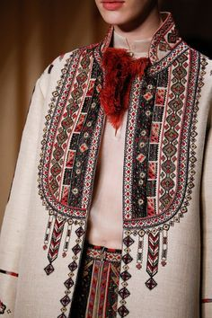"""Stylefluid Trendz: Valentino Spring Summer 2015 Couture : """"Love Conquers all"""" : Paris Haute Couture Fashion Week Couture Mode, Couture Fashion, Runway Fashion, Womens Fashion, Fashion Trends, Couture 2015, Fashion Spring, Fashion 2015, Spring Couture"""