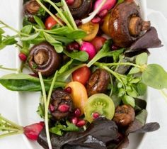 Fresh summer greens, in season portabellini mushroom salad with a balsamic and Soya vinaigrette. Festive, colorful and full of texture. Easy Cheesecake Recipes, Dessert Recipes, Peppermint Crisp Tart, South African Desserts, Milk Bread Recipe, Malva Pudding, Mushroom Salad, Frozen Cherries, Chocolate Oatmeal