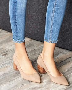 Sole Society Women's Andorra Block Heels Pumps Taupe Size 5 Haircalf From The block heel pump with a pointed toe Cute Shoes, Me Too Shoes, Shoes For Work, Pretty Shoes, Beautiful Shoes, Shoe Boots, Ankle Boots, Women's Shoes, Shoes Style