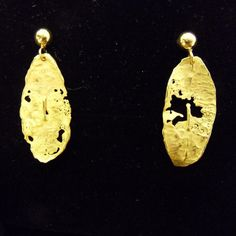 🍂❤️ 18 karats Gold Autumn leaves Autumn Leaves, 18th, Jewels, Gold, Handmade, Instagram, Hand Made, Fall Leaves, Jewerly