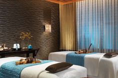 Qua Baths & Spa In Caesars Palace When at Caesar's, do as the Romans do and unwind at the palace's throwback spa, intended to mimic the Old Roman public houses. In addition to three different temperature-controlled pools, escape the desert heat at the spa's can't-miss Arctic Ice room, chilled to 55°F and complete with actual falling snow.
