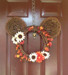 w/ Bird Nests for ears! Cute Crafts, Fall Crafts, Holiday Crafts, Holiday Fun, Diy Fall Wreath, Fall Diy, Holiday Wreaths, Wreath Ideas, Disney Diy