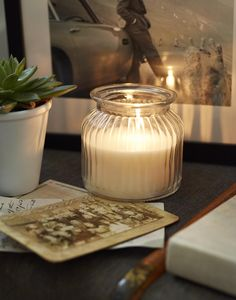 Light up our home with vanilla candles to create a comforting glow around the room. Whether you have friends over or it's a quiet night in on your own, create the hygge atmosphere.