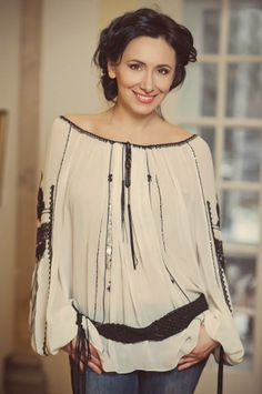 Romanian/ Moldova Dress Outfits, Casual Outfits, Fashion Outfits, Folk Fashion, Womens Fashion, Blouse Models, Blouse Styles, Couture Dresses, Traditional Outfits