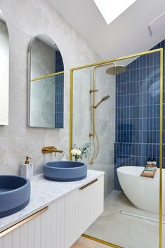 Kirsty & Jesse's stunning blue bathroom took third place on The Block 2021. With a gorgeous feature wall of vertical blue subway tiles, two tone blue basins and brass accents, this ensuite is very successful. Ensuite Bathrooms, Grey Bathrooms, Beautiful Bathrooms, Neutral Bathroom, Gold Bathroom, Master Bathroom, Basins, Blue Subway Tile, Concrete Basin