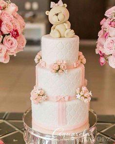 I like the teddy bears eyes.I may try this cake Torta Baby Shower, Baby Shower Fruit, Teddy Bear Cakes, Teddy Bears, Baby Girl Cakes, Balloon Cake, Shower Bebe, Fondant Baby, Amazing Wedding Cakes