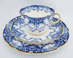FOUR Antique George Jones & Sons Crescent China Trios, Set of 4 Blue And White Bone China Cups And Saucers With Plates, Pattern
