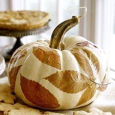 Decoupage a pumpkin! (Decoupage - probably not the pumpkin though. White Pumpkins, Fall Pumpkins, Halloween Pumpkins, Painted Pumpkins, Diy Halloween, Halloween Decorations, Halloween Table, Halloween Photos, Scream Halloween