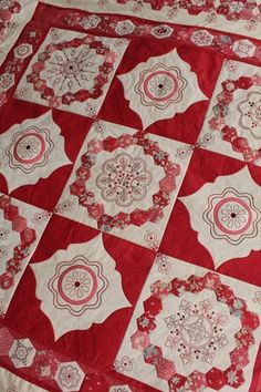 Cornelian quilt pattern by Helen Stubbings