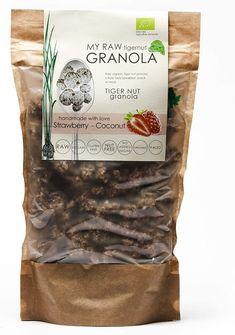 Drobtinka Tigernut Granola with Strawberries and Coconut, Organic, Raw, 230g: Amazon.co.uk: Grocery Flora Intestinal, Plant Based Milk, Raisin, Fresh Fruit, Granola, Strawberries, Goodies, Coconut, Tasty