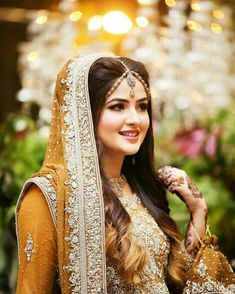 Fulfill a Wedding Tradition with Estate Bridal Jewelry Pakistani Bridal Makeup, Bridal Mehndi Dresses, Pakistani Wedding Outfits, Bridal Dress Design, Bridal Outfits, Pakistani Dresses, Bridal Hijab, Indian Bridal, Indian Outfits