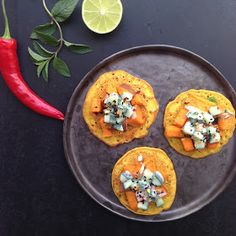 Vanløse blues.....: Kødfri mandag: indiske kikærtepandekager med stegte søde kartofler & riata