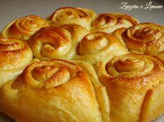http://blog.giallozafferano.it/paola67/torta-di-rose-ricetta-infallibile/