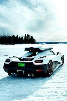 Cool Stuff We Like Here @ http://coolpile.com/rides-magazine/ ------- << Original Comment >> ------- McLaren F1 Ski ready