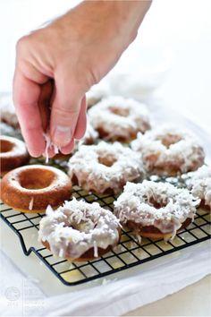 Pina colada baked doughnuts