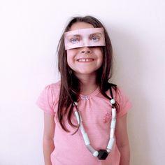Hacer mascaras para niños con recortes de revistas   Blog www.micasaencualquierparte.com