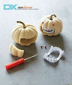 DIY Vampire Pumpkin diy craft halloween crafts how to tutorials pumpkins halloween decorations halloween crafts halloween diy halloween decor Halloween Tags, Holidays Halloween, Halloween Pumpkins, Halloween Crafts, Holiday Crafts, Holiday Fun, Happy Halloween, Halloween Vampire, Halloween Clothes