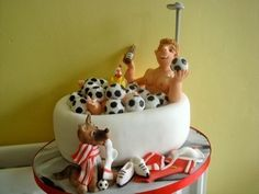 This is a great cake for a sports fan, you can put different ball into the tub, and change the colour of the strip.