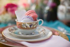 Place setting idea - with macarons!