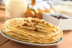 How to Make Crepes Out of Pancake Batter Ww Recipes, Cooking Recipes, Healthy Recipes, Lactose Free Pancakes, Crêpe Weight Watchers, Crepe Maker, How To Make Crepe, Ww Desserts, Dessert Ww