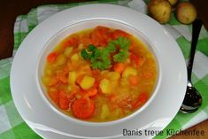 Thai Red Curry, Cooking, Ethnic Recipes, Food, Niklas, Kid Lunches, Clean Foods, Easy Meals, Kitchen