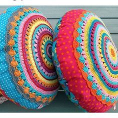 Round Pillow SUNRISE Cushion with crochet application ~ Crochet and sewing pattern PDF Crochet Cushion Cover, Crochet Pillow Pattern, Crochet Cushions, Crochet Stitches, Pillow Patterns, Sewing Pillows, Crochet Diy, Crochet Round, Crochet Home
