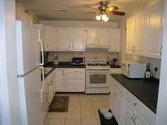 Lowe's Stock Kitchen Cabinets