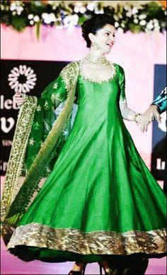 Rubina dilaik Indian Suits, Mehendi, Screen Shot, Desi, Victorian, Actresses, Shots, Green, Fashion