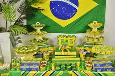 Mesa de postres para fiesta temática de copa mundial de fútbol. #FiestaTematicaFutbol