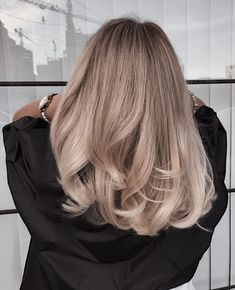 Blonde Balayage Highlights to Try in 2019 – - All For Hair Cutes Blonde Balayage Highlights, Hair Color Balayage, Baylage Blonde, Hair Color Pink, Cool Hair Color, Long Bob Haircuts, Cool Hairstyles, Drawing Hairstyles, Hairstyles Videos