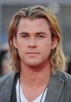 Chris Hemsworth brother to also hot, Liam Hemsworth :D