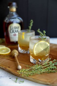 Honey Thyme Bourbon Cocktail // lynseylovesfood