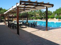 Vacanze a Giugno in Villaggio a Capo Rizzuto € 100,00 a persona bambini gratis fino a 12 anni.  Servizi inclusi : -2 piscine -3 campi da tennis , calcetto, bocce e mini golf -ristorante, pizzeria, snak bar e minimarket -Centro benessere -Diving -Discoteca -Animazione -Mini Club -Servizio Spiaggia con ombrelloni e sdraio   SCONTO tessera club 50%    http://www.casevacanze-caporizzuto.com/villaggi/villaggio/72 Per info 320-7113624 0962-799629