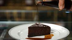 Κέικ σοκολάτας με σιρόπι καφέ Pudding, Sweets, Sugar, Cake, Desserts, Recipes, Food, Honey, Drink