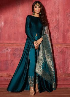 Teal Velvet Pant Style Anarkali with Brocade Dupatta Teal Ve. - Teal Velvet Pant Style Anarkali with Brocade Dupatta Teal Velvet Pant Style Anarkali with Brocade Dupatta – Lashkaraa Source by - Party Wear Indian Dresses, Indian Fashion Dresses, Designer Party Wear Dresses, Indian Bridal Outfits, Indian Gowns Dresses, Kurti Designs Party Wear, Dress Indian Style, Indian Designer Outfits, Kurta Designs