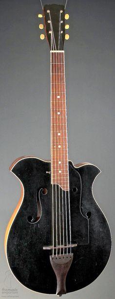 Harmony made Albert Shutt B-1 Guitar (1913)…