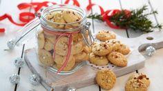 Oppskrift på Serinakaker Holiday Treats, Holiday Recipes, Fun Christmas Activities, Norwegian Christmas, Norwegian Food, Sweet Paul, Swedish Recipes, Christmas Baking, Christmas Cakes