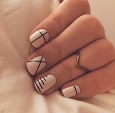 Line nail art designs is probably the simplest way to achieve a unique nail style. The versatility of these nail designs allows you to choose a unique set of options. Black and white nails are common in line nail art designs, perhaps because they loo Line Nail Art, Cool Nail Art, Best Nail Art, Classy Nail Art, Simple Fall Nails, Cute Nails For Fall, Fall Nail Art Designs, Line Nail Designs, Cute Simple Nail Designs