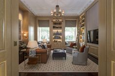 1508-Pearl-library-sitting room